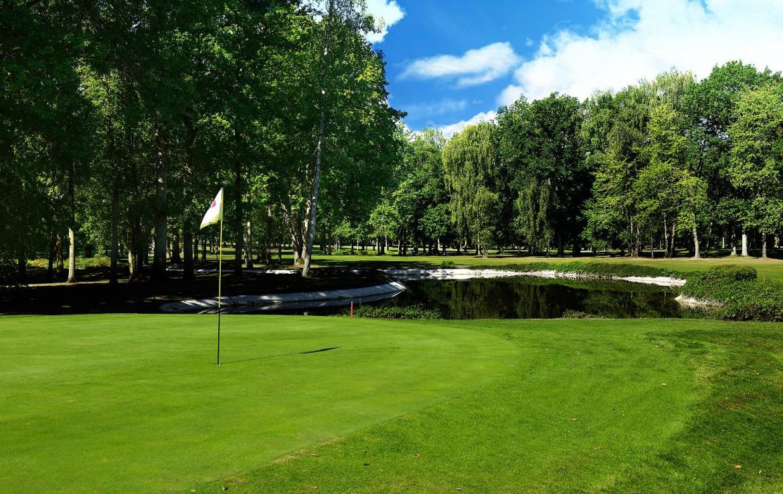 golf-expedition-golf-reizen-frankrijk-regio-champagne-domaines-les-crayeres-water-hazard-green-golfbaan