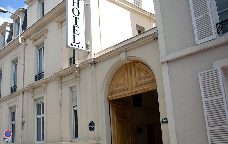 golf-expedition-golf-reizen-frankrijk-regio-champagne-grand-hotel-des-templiers-entree-hotel.jpg