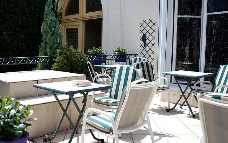 golf-expedition-golf-reizen-frankrijk-regio-champagne-grand-hotel-des-templiers-terras.jpg