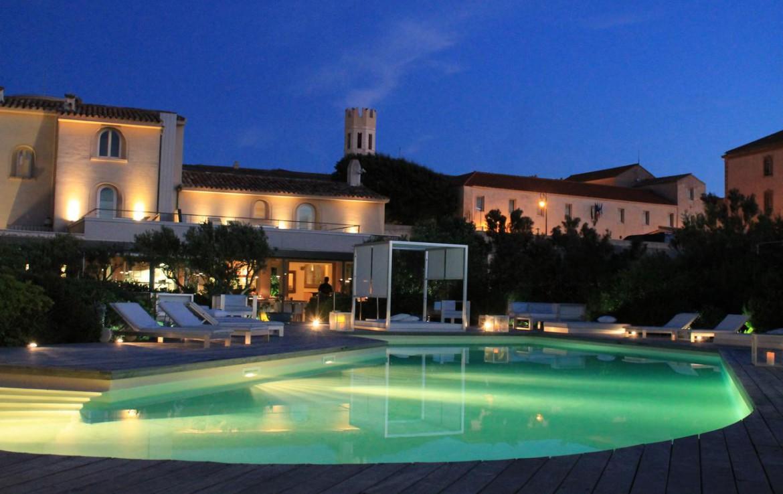 golf-expedition-golf-reizen-frankrijk-regio-corsica-hotel-genovese-zwembad-in-avond