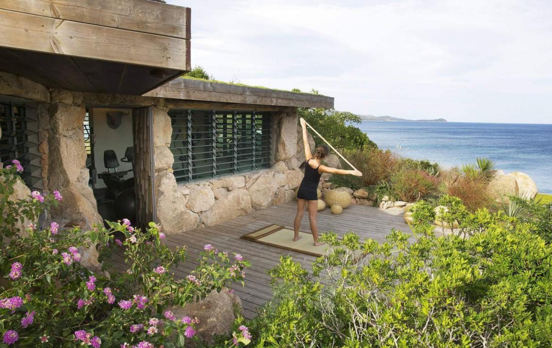 golf-expedition-golf-reizen-frankrijk-regio-corsica-hotel-u-capu-biancu-buiten-fitness-met-zee-uitzicht