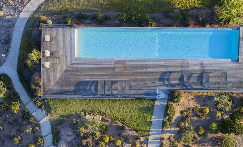 golf-expedition-golf-reizen-frankrijk-regio-corsica-residence-santa-giulia-palace-drone-zwembad