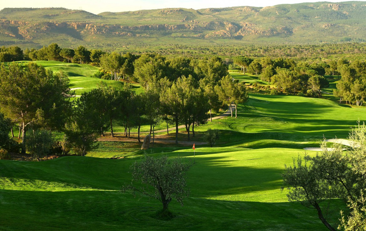 golf-expedition-golf-reizen-frankrijk-regio-cote-d'azur-Les-Domaines-de-Saint-Endréol-Golf-en-Spa-Resort-golfbaan-fairway
