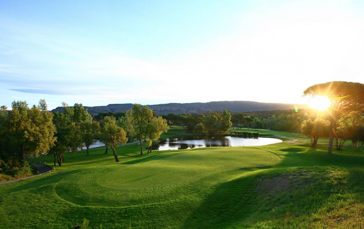 golf-expedition-golf-reizen-frankrijk-regio-cote-d'azur-Les-Domaines-de-Saint-Endréol-Golf-en-Spa-Resort-golfbaan-green-water-hazard