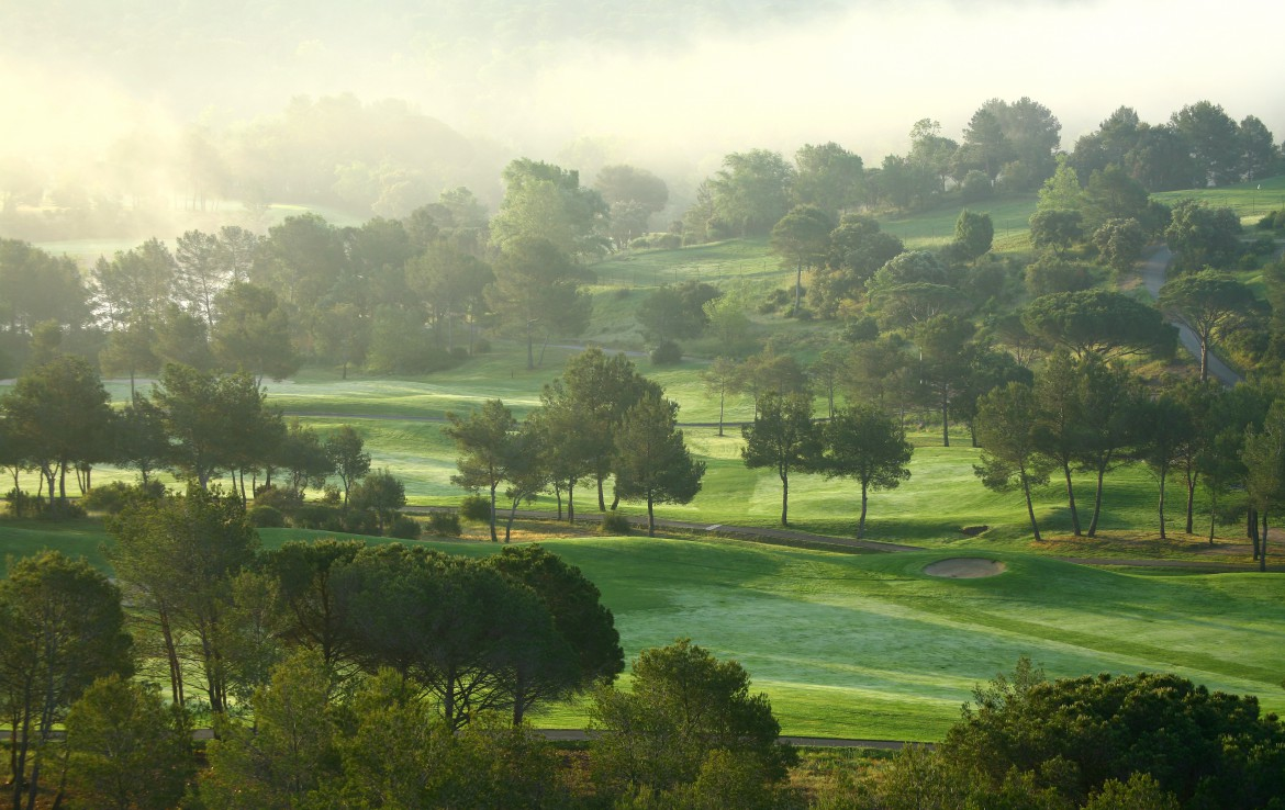 golf-expedition-golf-reizen-frankrijk-regio-cote-d'azur-Les-Domaines-de-Saint-Endréol-Golf-en-Spa-Resort-mistige-golfbaan