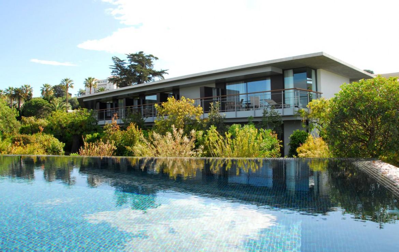 golf-expedition-golf-reizen-frankrijk-regio-cote-d'azur-cap-d'antibes-beach-hotel-hotel-met-zwembad.jpg