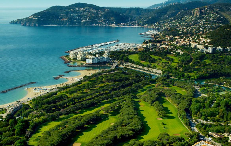golf-expedition-golf-reizen-frankrijk-regio-cote-d'azur-cap-d'antibes-beach-hotel-overzicht-omgeving.jpg