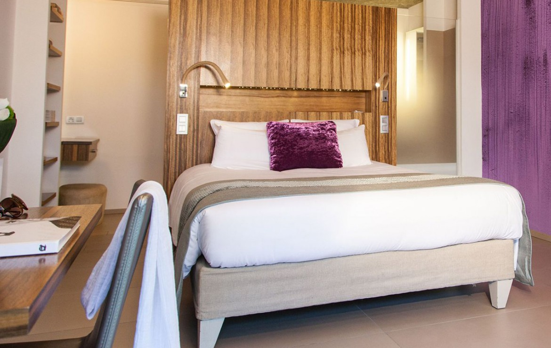 golf-expedition-golf-reizen-frankrijk-regio-cote-d'azur-cap-d'antibes-beach-hotel-slaapkamer-twee-personen.jpg