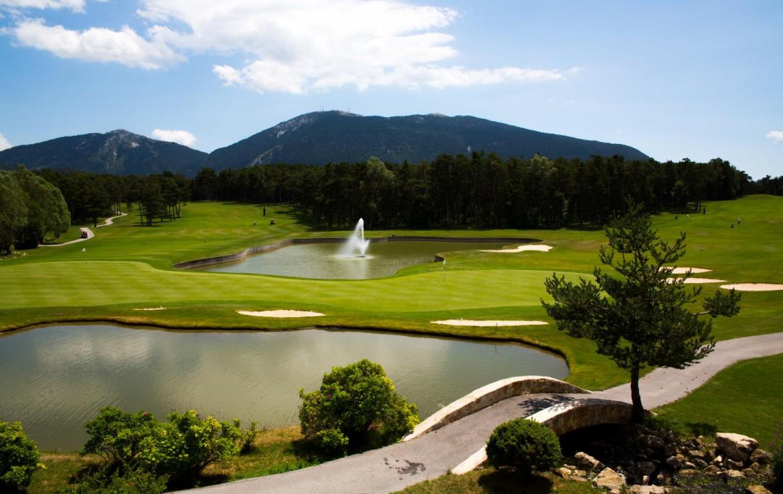 golf-expedition-golf-reizen-frankrijk-regio-cote-d'azur-chateau-de-taulane-golfbaan-met-uitzicht