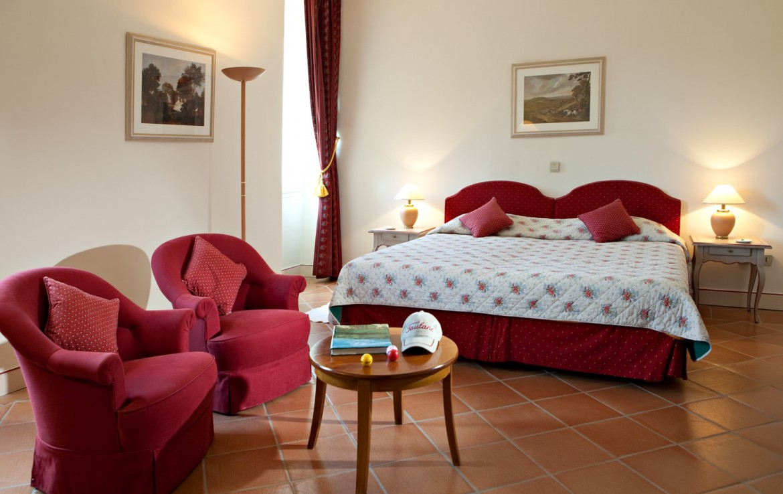 golf-expedition-golf-reizen-frankrijk-regio-cote-d'azur-chateau-de-taulane-slaapkamer