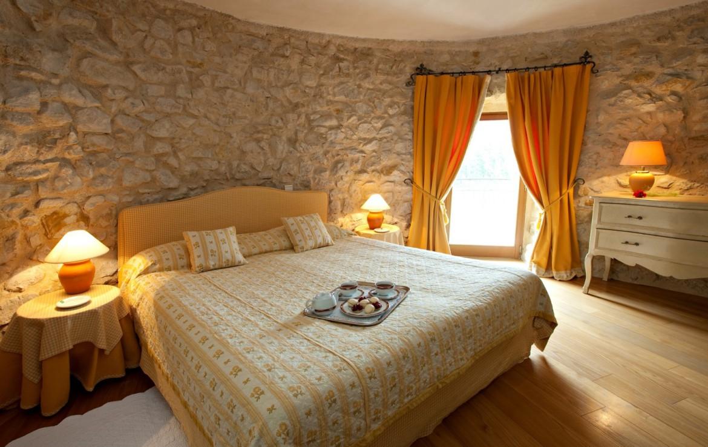 golf-expedition-golf-reizen-frankrijk-regio-cote-d'azur-chateau-de-taulane-slaapkamer-in-toren