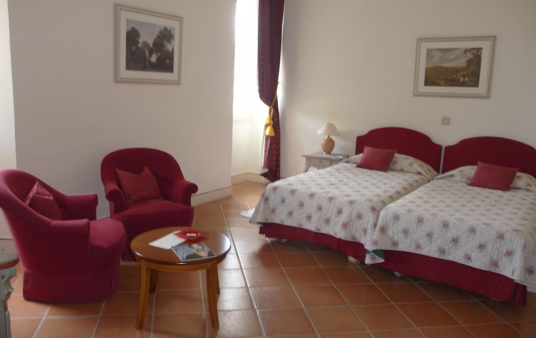golf-expedition-golf-reizen-frankrijk-regio-cote-d'azur-chateau-de-taulane-twee-losse-bedden-slaapkamer