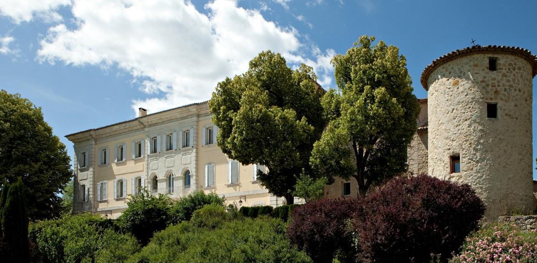 golf-expedition-golf-reizen-frankrijk-regio-cote-d'azur-chateau-de-taulane-villa-met-toren.jpg