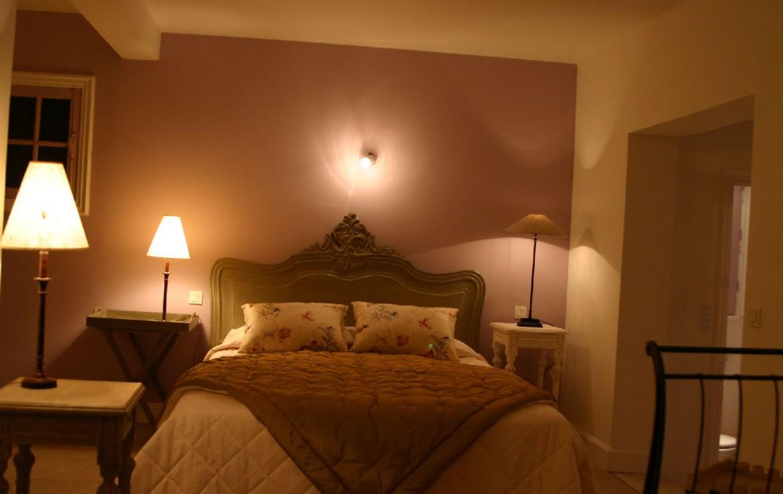golf-expedition-golf-reizen-frankrijk-regio-cote-d'azur-hotel-du-clos-slaapkamer-twee-persoons-bed-klassiek-ingericht
