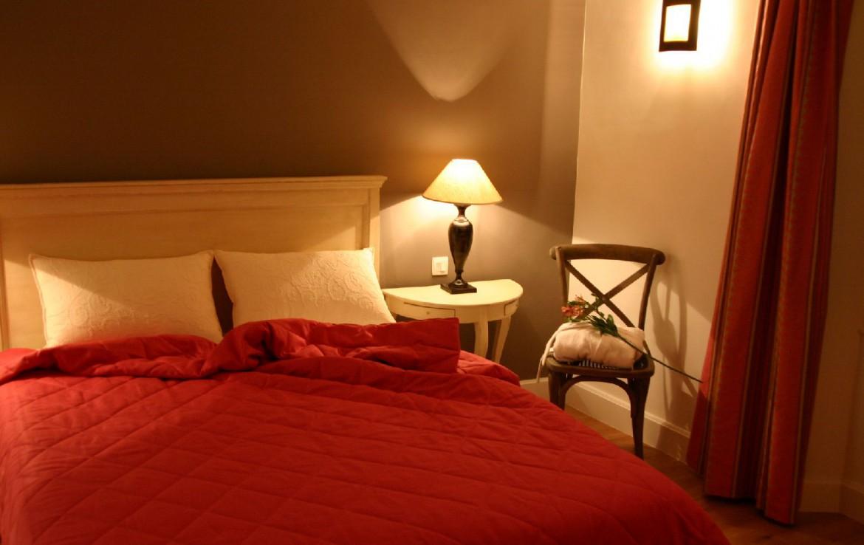 golf-expedition-golf-reizen-frankrijk-regio-cote-d'azur-hotel-du-clos-stijlvol-ingerichte-slaapkamer