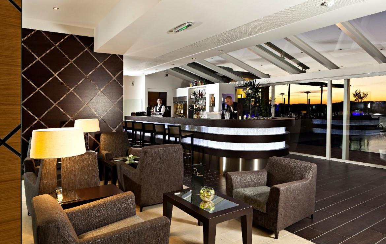 golf-expedition-golf-reizen-frankrijk-regio-cote-d'azur-hotel-ile-rousse-bar