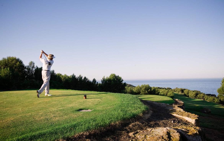 golf-expedition-golf-reizen-frankrijk-regio-cote-d'azur-hotel-ile-rousse-prachtig-gelegen-golfbaan