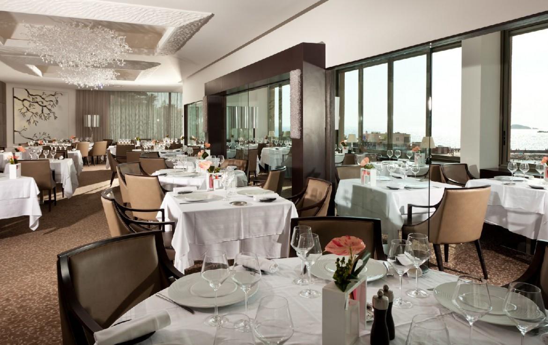 golf-expedition-golf-reizen-frankrijk-regio-cote-d'azur-hotel-ile-rousse-restaurant