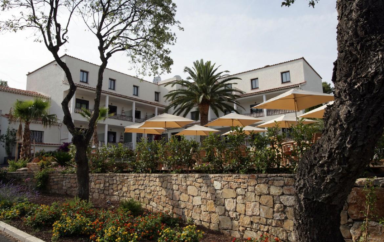 golf-expedition-golf-reizen-frankrijk-regio-cote-d'azur-hotel-le-catalogne-hotel-voorkant