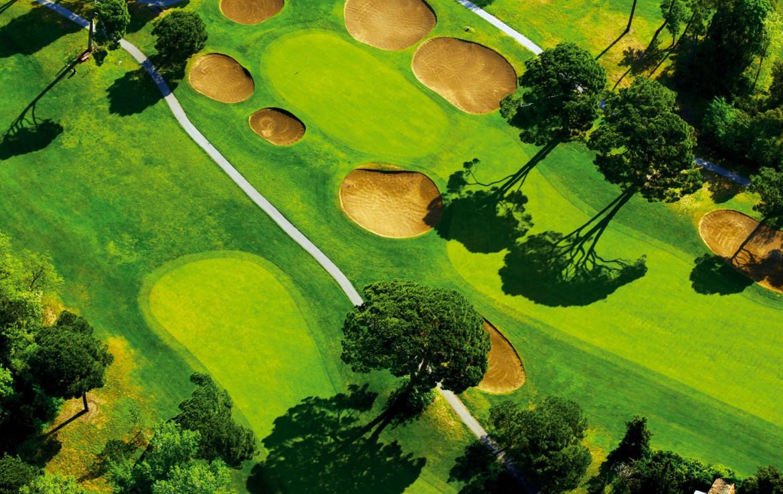 golf-expedition-golf-reizen-frankrijk-regio-cote-d'azur-hotel-le-cavendish-bovenaanzicht-golfbaan