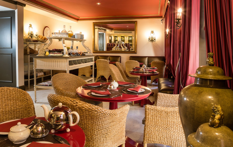 golf-expedition-golf-reizen-frankrijk-regio-cote-d'azur-hotel-le-cavendish-lounge-en-ontbijt-kamer