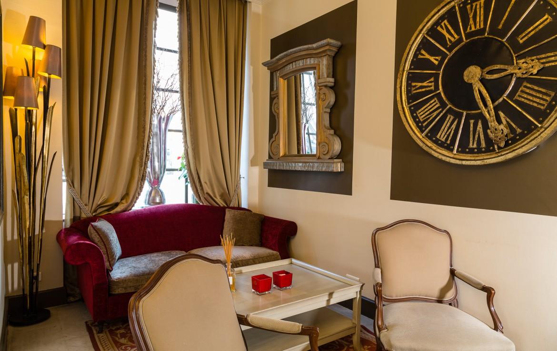 golf-expedition-golf-reizen-frankrijk-regio-cote-d'azur-hotel-le-cavendish-stijlvol-ingerichte-ontvangst-ruimte