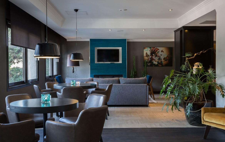 golf-expedition-golf-reizen-frankrijk-regio-cote-d'azur-hotel-saint-augulf-lounge-met-tv