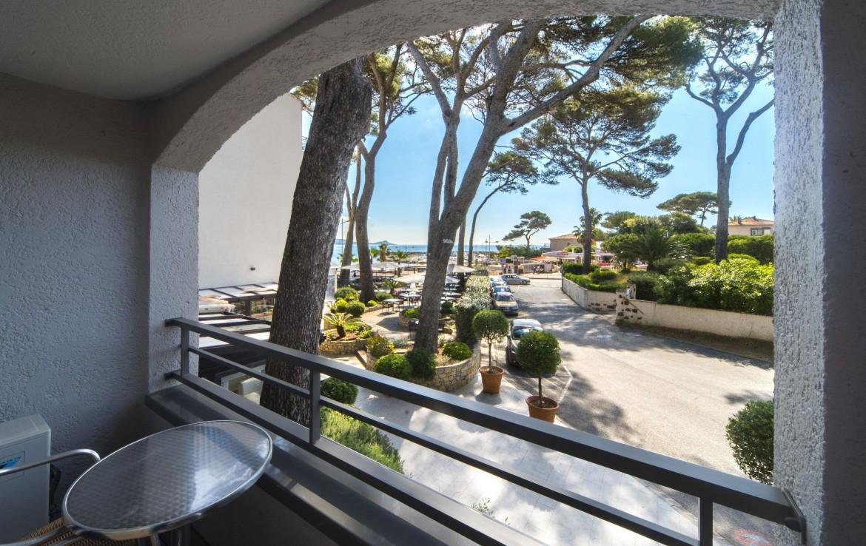 golf-expedition-golf-reizen-frankrijk-regio-cote-d'azur-hotel-saint-augulf-uitzicht-vanuit-kamer