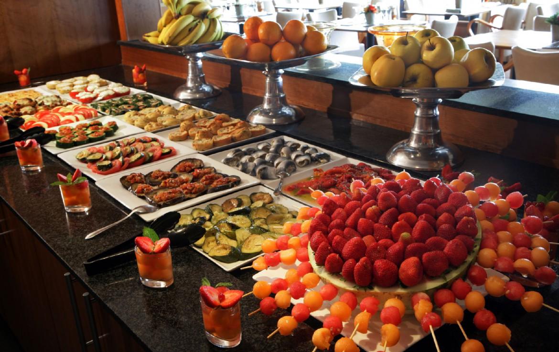 golf-expedition-golf-reizen-frankrijk-regio-cote-d'azur-hotel-saint-augulf-vers-gezond-buffet
