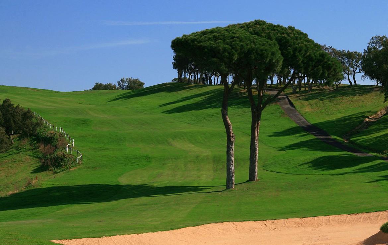 golf-expedition-golf-reizen-frankrijk-regio-cote-d'azur-la-pinede-plage-prachtig-gelegen-golfbaan