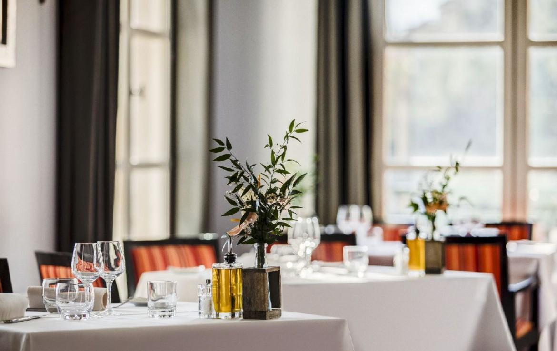 golf-expedition-golf-reizen-frankrijk-regio-cote-d'azur-provence-dolce-fregate-golf-resort-binnen-restaurant.jpg