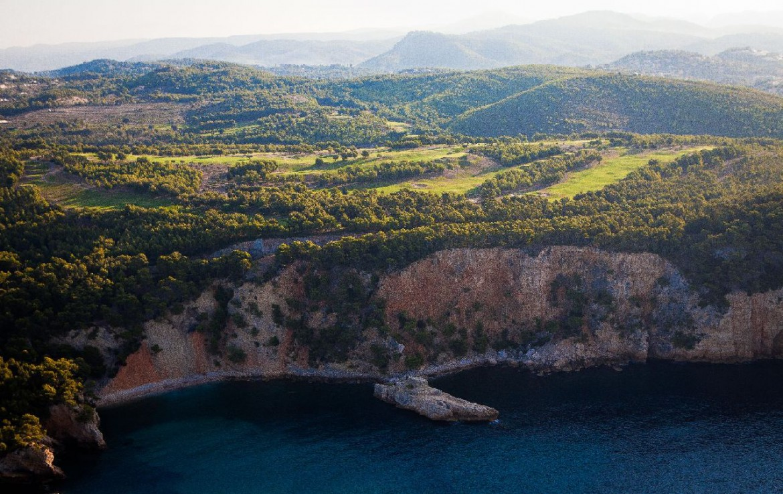 golf-expedition-golf-reizen-frankrijk-regio-cote-d'azur-provence-dolce-fregate-golf-resort-golfbaan-vanuit-zee.jpg