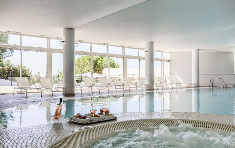golf-expedition-golf-reizen-frankrijk-regio-cote-d'azur-provence-dolce-fregate-golf-resort-zwembad-jacuzzi-rose.jpg