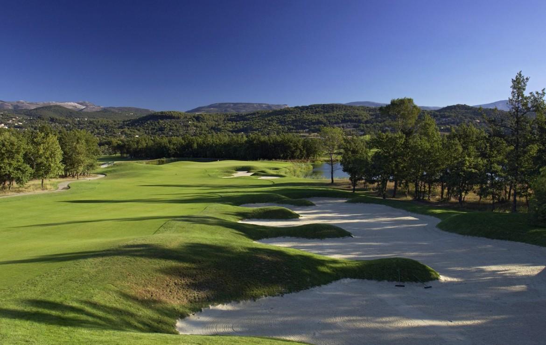 golf-expedition-golf-reizen-frankrijk-regio-cote-d'azur-terre-blanche-hotel-spa-golf-resort-golfbaan-bunker
