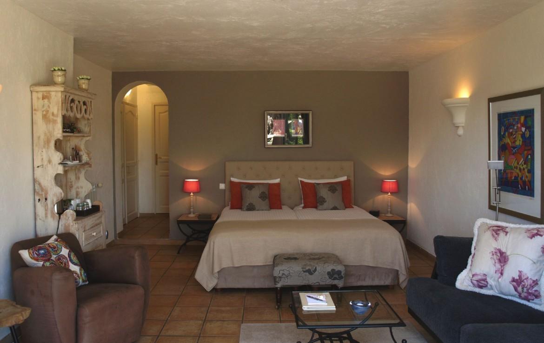 golf-expedition-golf-reizen-frankrijk-regio-cote-d'azur-villa-cedria-slaapkamer