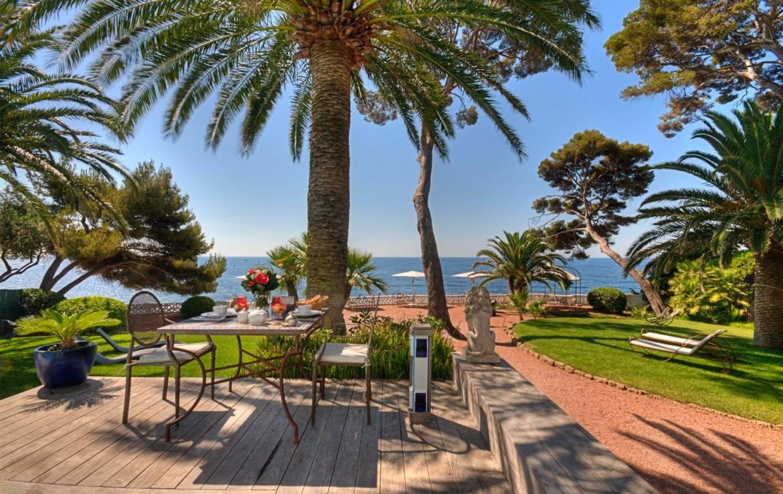 golf-expedition-golf-reizen-frankrijk-regio-cote-d'azur-villa-mauresque-prachtig-gelegen-luxe-hotel
