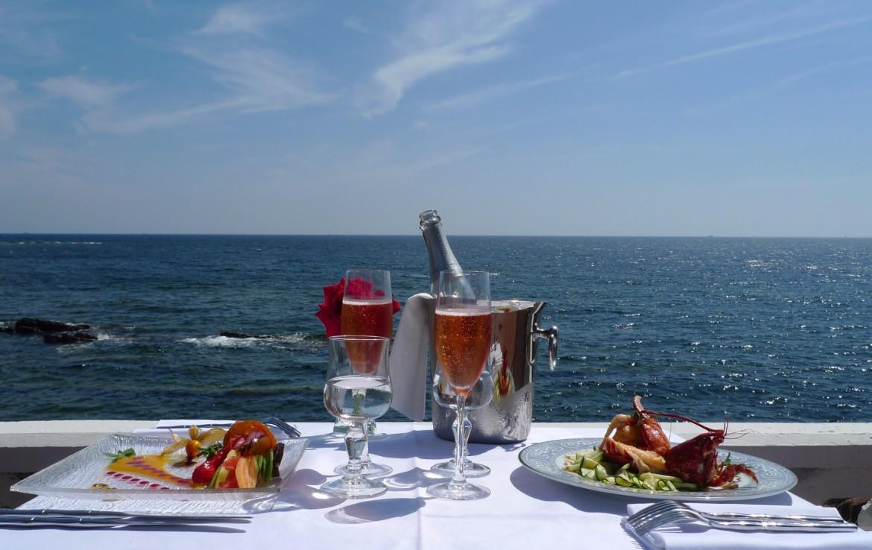 golf-expedition-golf-reizen-frankrijk-regio-cote-d'azur-villa-mauresque-restaurant-wijn-zee