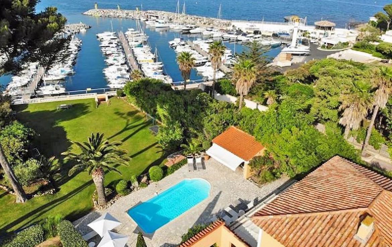 golf-expedition-golf-reizen-frankrijk-regio-cote-d'azur-villa-souvenance-drone-appartement-zwembad-haven-zee.jpg