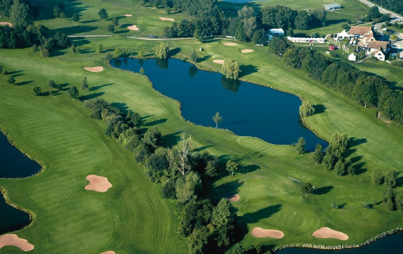 golf-expedition-golf-reizen-frankrijk-regio-elzas-hotel-a-la-cour-d'alsace-drone-overzicht-golfbanen