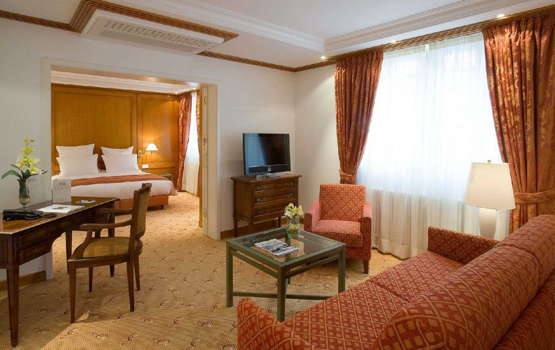 golf-expedition-golf-reizen-frankrijk-regio-elzas-hotel-a-la-cour-d'alsace-slaapkamer-met-woonruimte