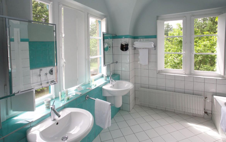 golf-expedition-golf-reizen-frankrijk-regio-elzas-le-kempferhof-blauwe-stijl-badkamer.jpg
