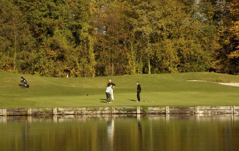 golf-expedition-golf-reizen-frankrijk-regio-elzas-le-kempferhof-golfers-op-green.jpg