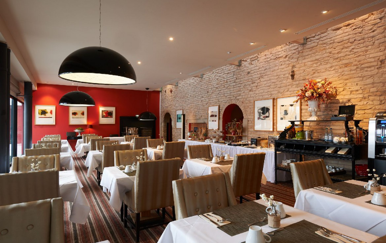 golf-expedition-golf-reizen-frankrijk-regio-elzas-le-kempferhof-restaurant-frans-ontbijt.jpg