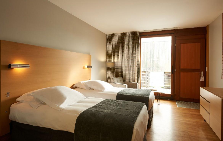 golf-expedition-golf-reizen-frankrijk-regio-elzas-le-kempferhof-slaapkamer-voor-twee-personen-beschikt-over-balkon.jpg