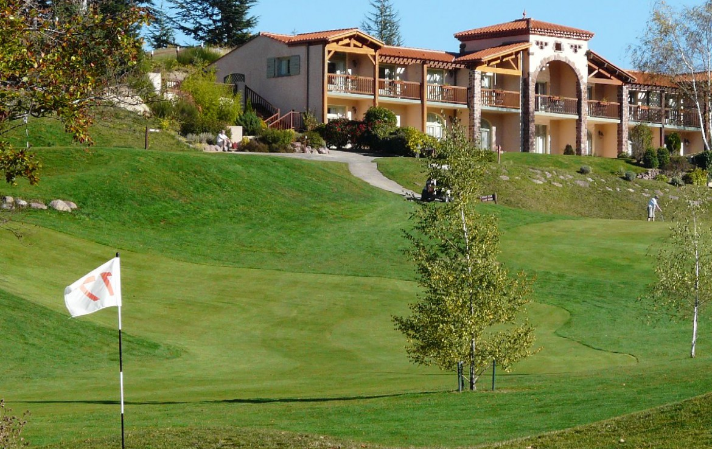 golf-expedition-golf-reizen-frankrijk-regio-languedoc-roussillon-domaine-de-falgos-green-fairway-golfbaan-villa-achtergrond.jpg