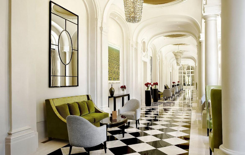 golf-expedition-golf-reizen-frankrijk-regio-parijs-trianon-palace-versailles-klassieke-gang.jpg