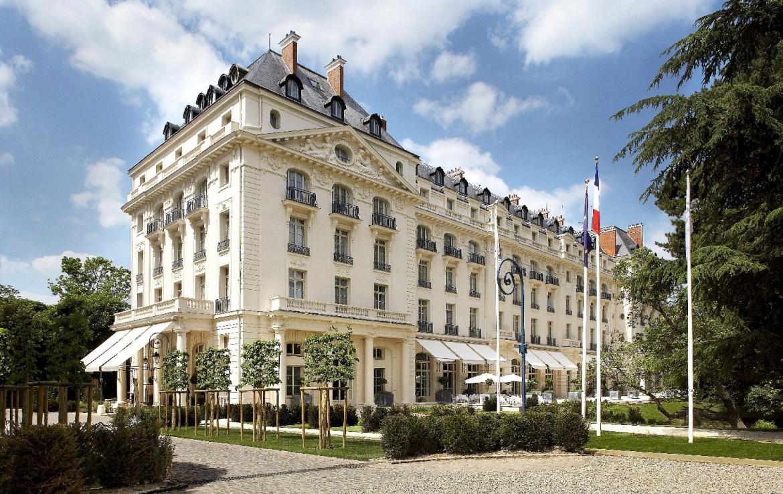 golf-expedition-golf-reizen-frankrijk-regio-parijs-trianon-palace-versailles-voorkant-van-trianon.jpg