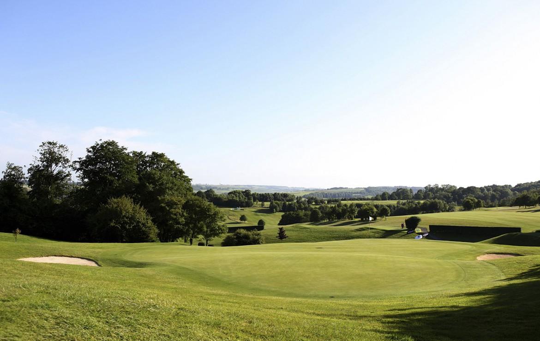 golf-expedition-golf-reizen-frankrijk-regio-pas-de-calais-chateau-tilques-golfbaan-met-landschap.jpg