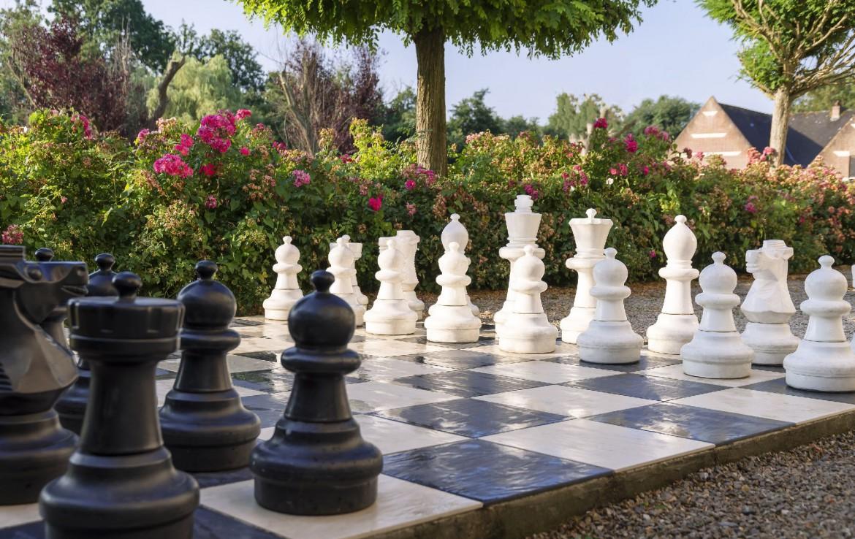 golf-expedition-golf-reizen-frankrijk-regio-pas-de-calais-chateau-tilques-groot-schaakspel.jpg