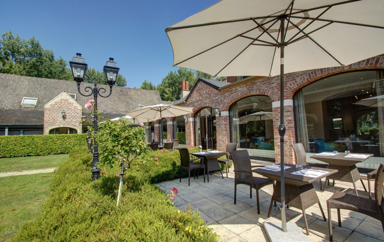golf-expedition-golf-reizen-frankrijk-regio-pas-de-calais-chateau-tilques-villa-met-terras.jpg